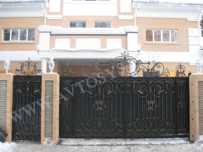 Ворота для территории жилого дома